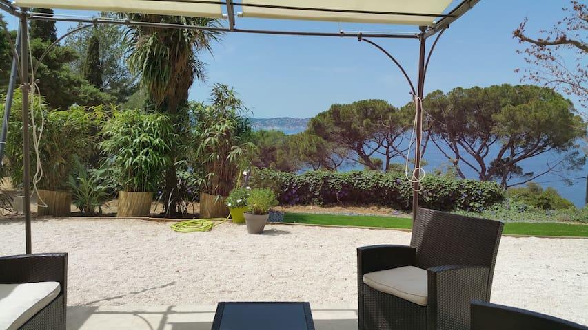 Toulon - Cap Brun - Face à la mer