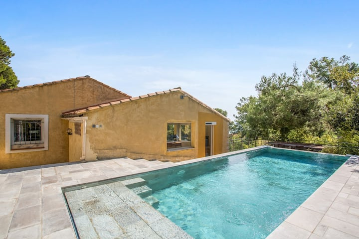 Villa with one bedroom in Hyères, with private pool, enclosed garden and WiFi - 800 m from the beach