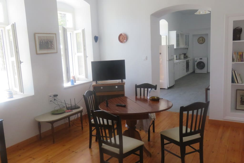 Main Sitting room+Din room