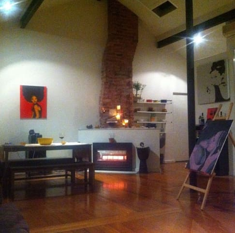 Large Loft Apartment in St Kilda