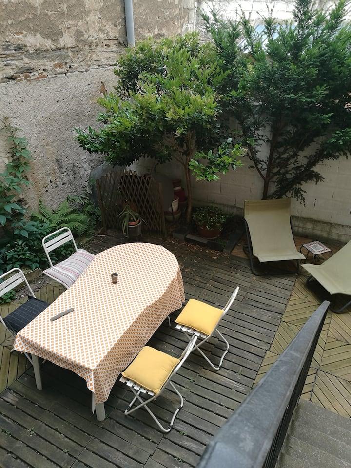 Appartement avec jardin proche centre ville