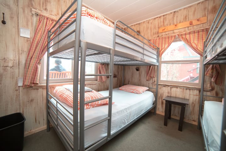 ⭐️Single Bed in 4 Bed Dorm at Fun Mountain Hostel⛰