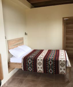 Lovely room with private entrance - Puerto Lopez