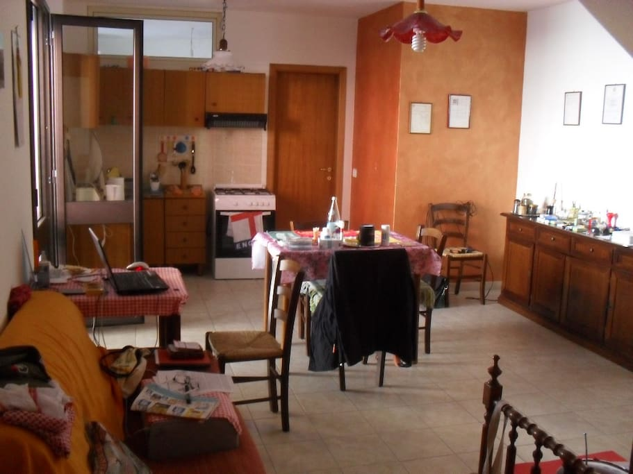 Cooking facilities, sitting room