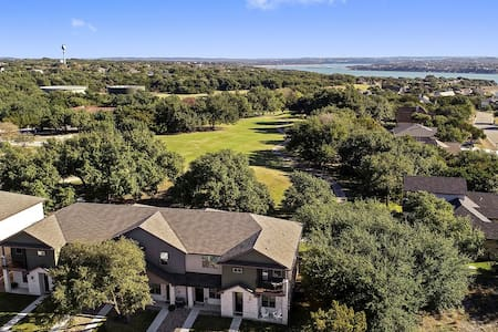 New Lake Travis Home on Golf Course w/Golf Cart