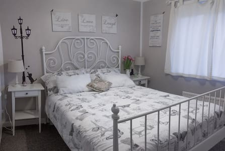 The Shire Guest House - Bathgate - Hus