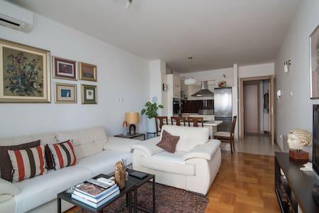Apartment Marija -One Bedroom Apartment w/ Balcony - Solin - アパート