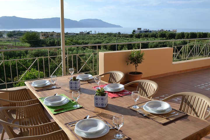 Seaview Villa 900m from Kavros Sandy Beach, Chania