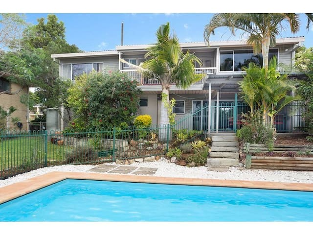 Beautiful house with Mount Coot-Tha view room 1 - Kenmore - Hus