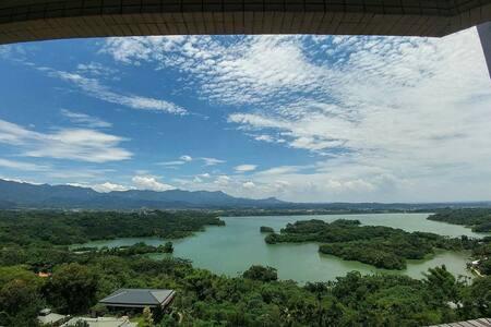 山湖水畔景觀套房