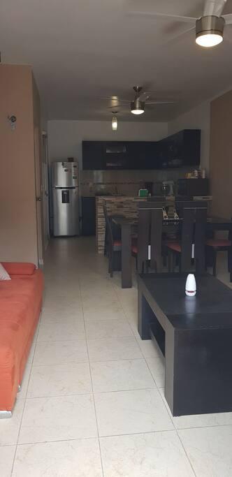 Sala comedor con aire acondicionado
