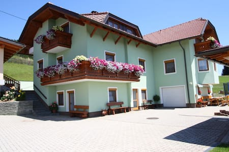 Luxurious Apartment in Liebenfels with Swimming Pool