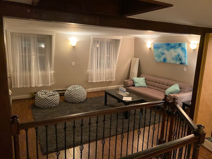 3 BR House in the heart of Red Bank-With Parking!