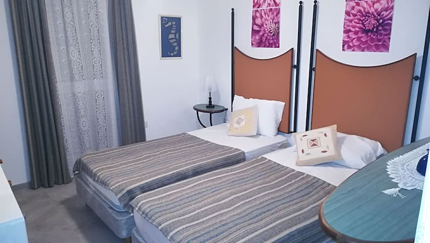 Private Bedroom with Wifi and Terrace Bugibba