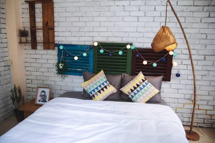 Deja Vu Homestay - Cozy Room - tp. Huế - Bed & Breakfast