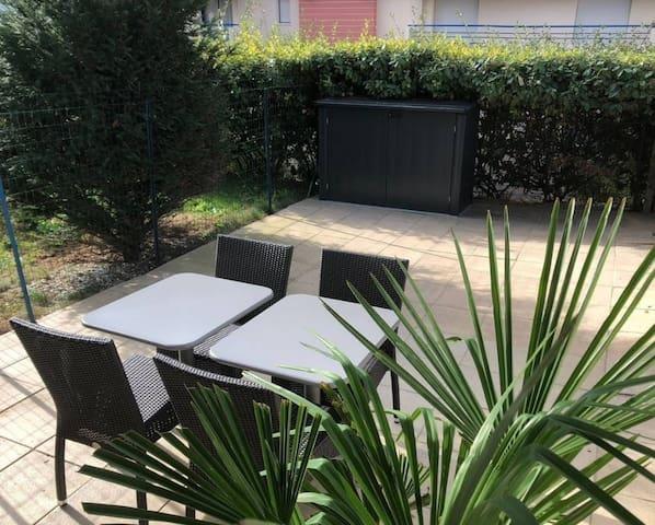 Centre-Studio Cabine+Gde terrasse+Parking privatif