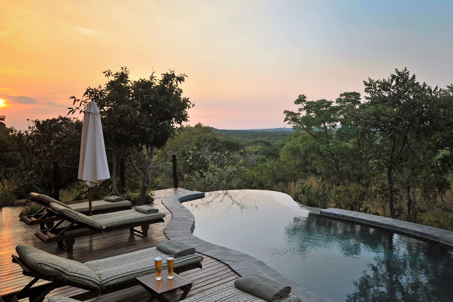 Zwahili Game Lodge Swimming pool