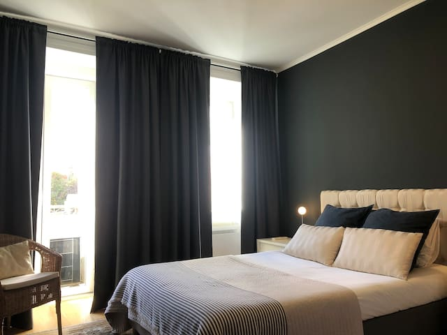 Lisbon Rato flat near Principe Real (air cond)