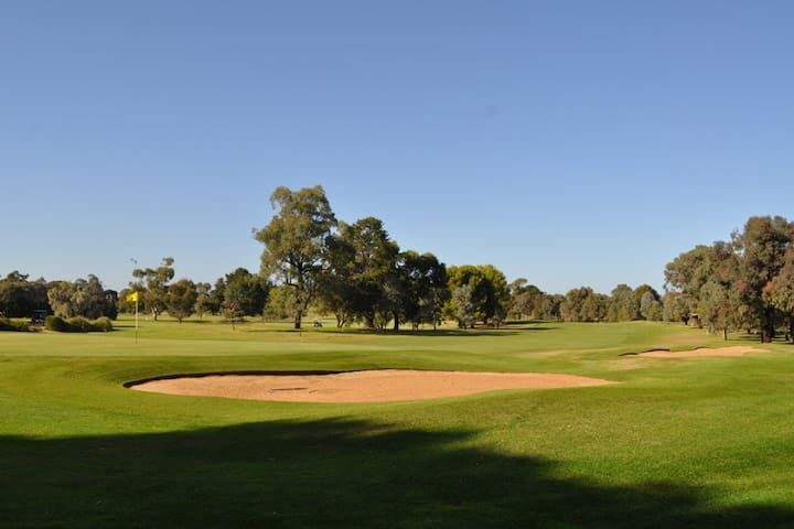 Tocumwal Golf Course