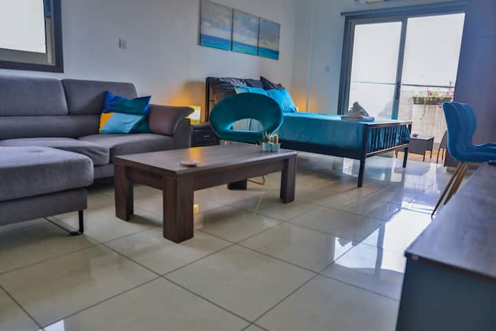 Strovolos Luxury Suite