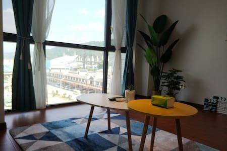 【禾居·home】 步行至天门山景区火车站汽车站阳光大床独立公寓