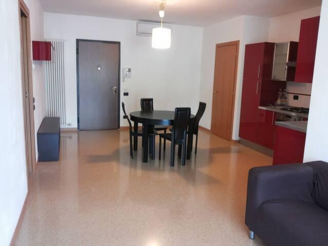 VICENZA (provincia). Tra VENEZIA e VERONA - Brendola - Apartment
