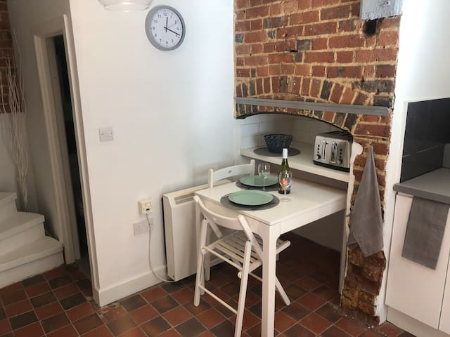 Quirky but Charming Cottage Central Buckingham
