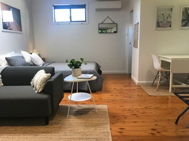 Self-Contained Garden Studio near Drummoyne