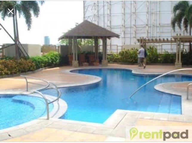 1BR Gateway Garden Ridge condo Rent P19,950/month