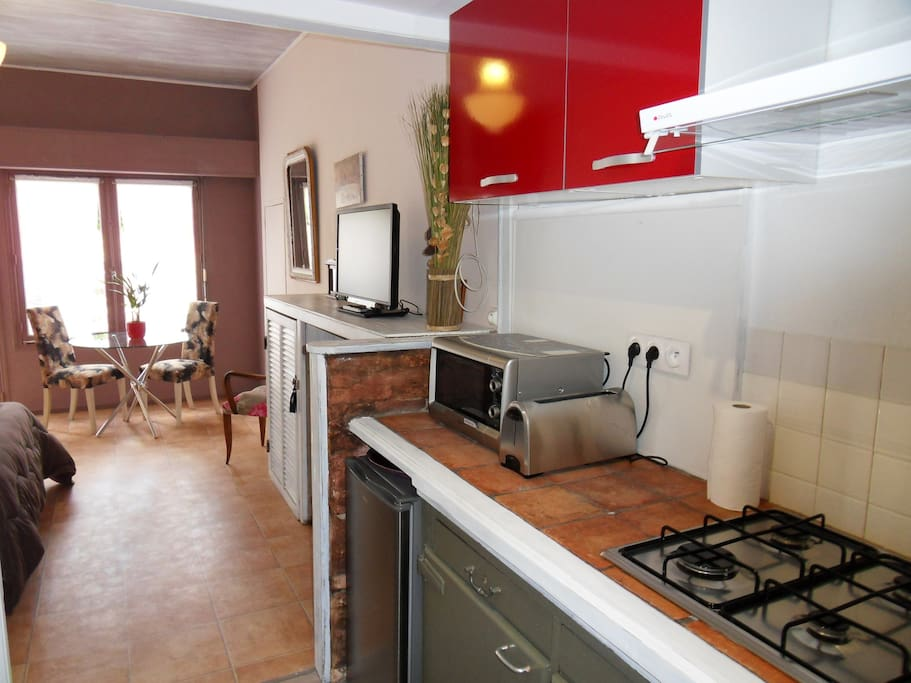 Petit gite de 35m2 vue sur jardin flats for rent in for Jardin 35m2