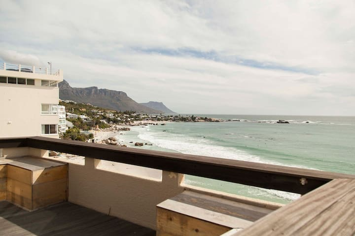 Seaview's in tranquil Clifton beach apartment