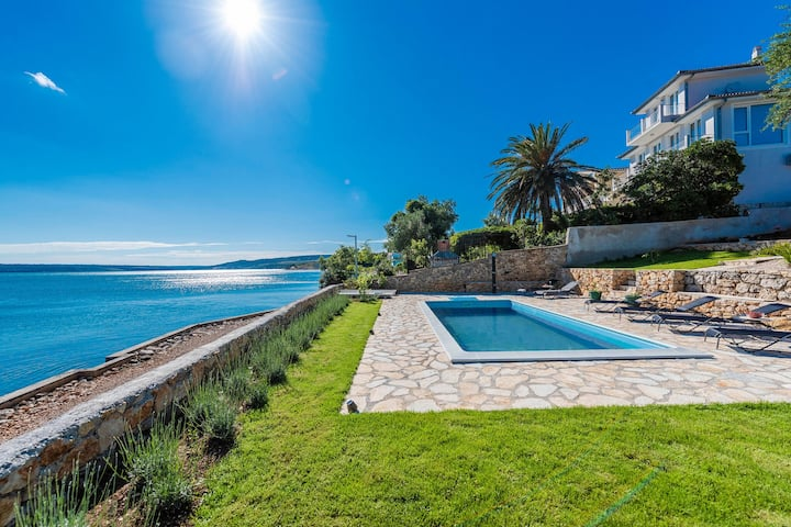 Modern Villa in Maslenica with Swimming Pool