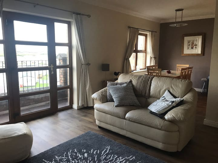 2 bed apart... walking distance to Royal Portrush