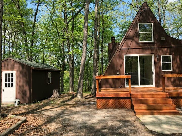 A-Frame of Mind, pet-friendly w/ firepit and grill
