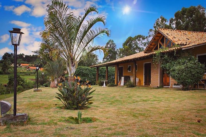 Sítio - Casa de Campo para 15 pessoas - Guararema