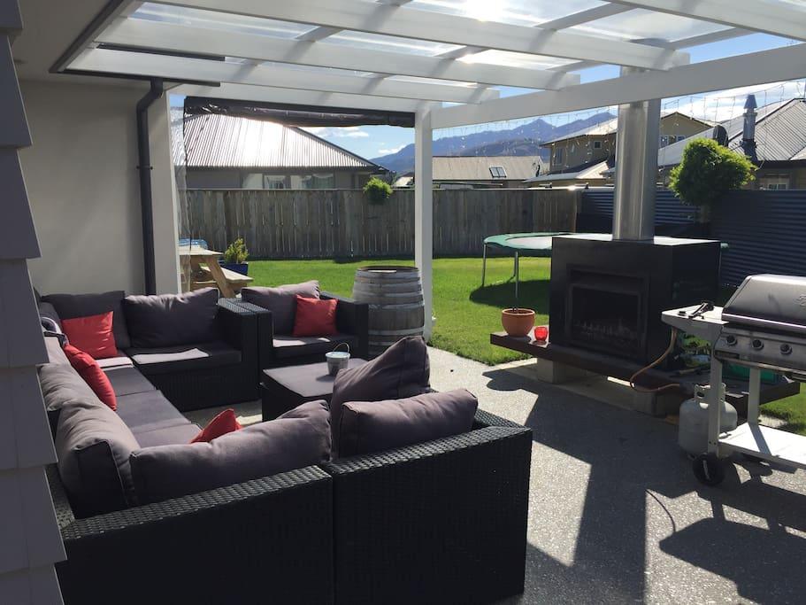 Outdoor fire, bbq, outdoor furniture, trampoline