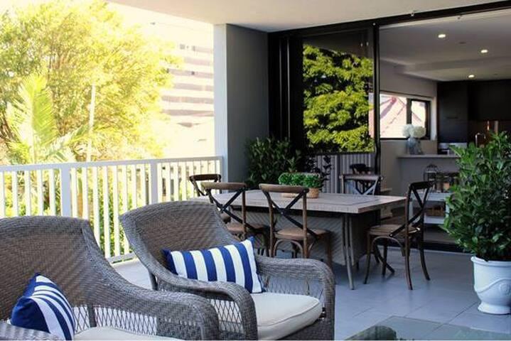 Hampton Luxury mins to Gabba, City & PA Hospital - Woolloongabba - Apartment