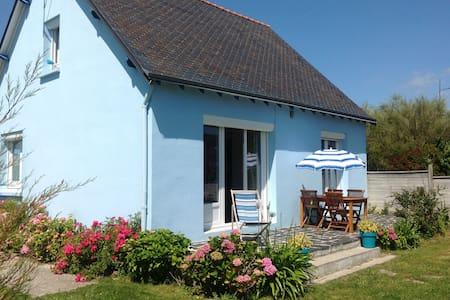 La Maison Bleue   Île Tudy  classée ***
