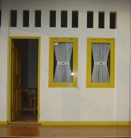 Cozy Place by ADEN - Pasar Rebo - Bed & Breakfast