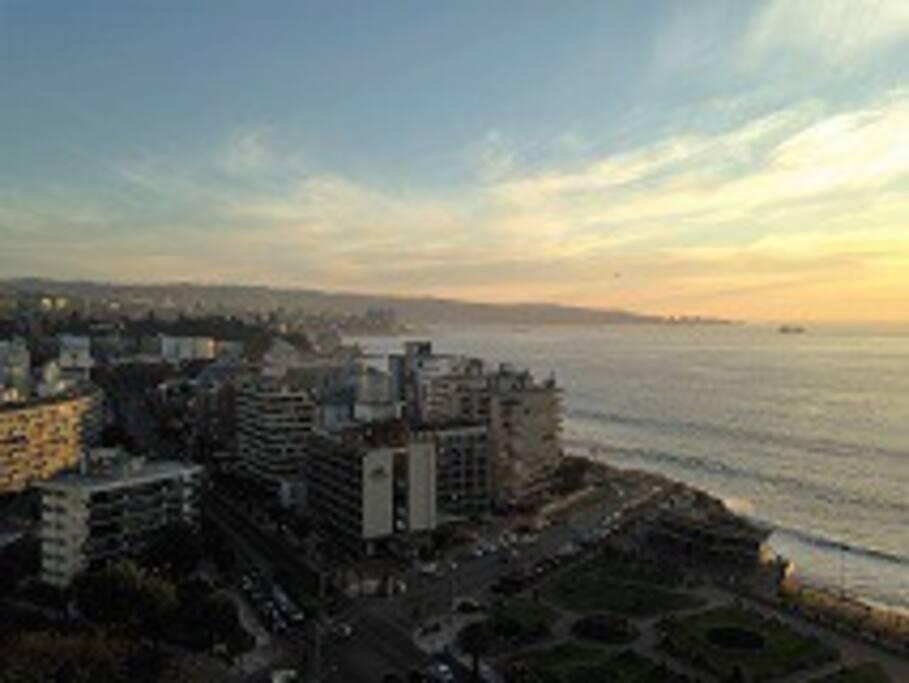 vista diurna a la bahía de Valparaíso