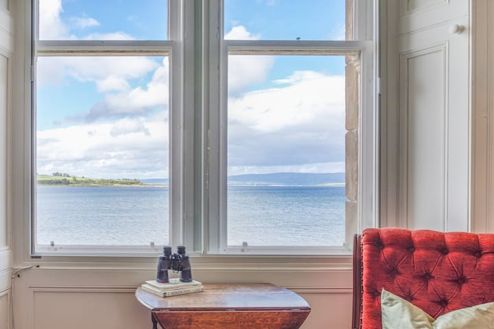 Kilchattan Bay Seaview Home from Home