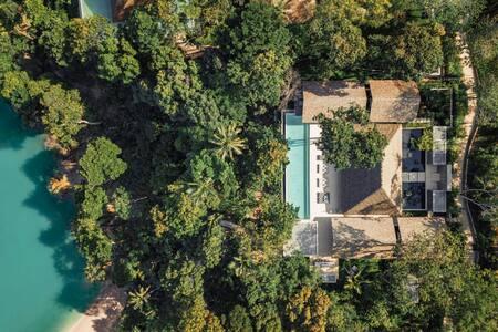 Coconut Island Four Bedroom Oceanview Pool Villa