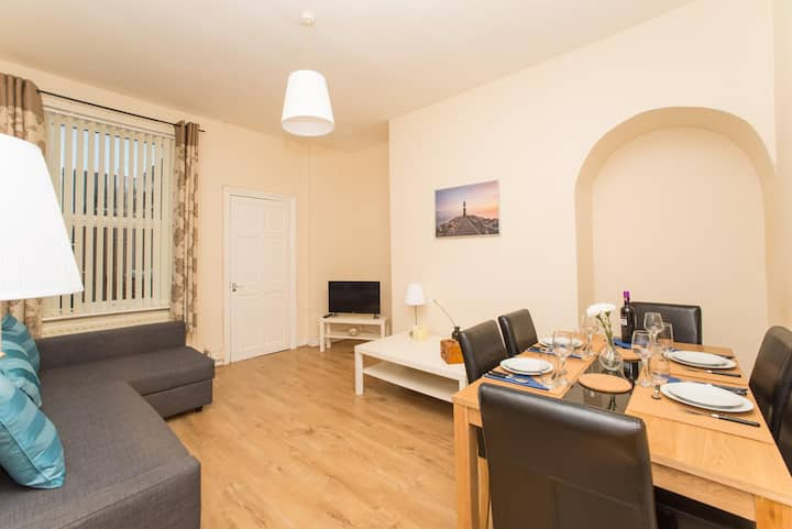 Lovely and Comfortable 3 Bed Flat, Tamworth