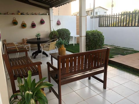 Casa na Caueira com piscina a 100m da praia.