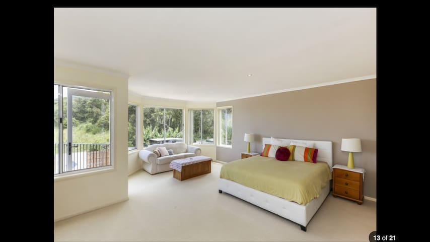 Oceanview Beach House Caves Beach NSW Australia - Caves Beach - House