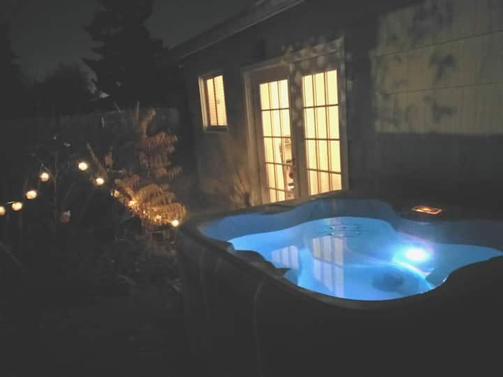 Secret Safe Haven w/ Hot Tub & King Bed