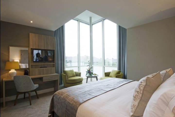 Gleesons Townhouse, Suite