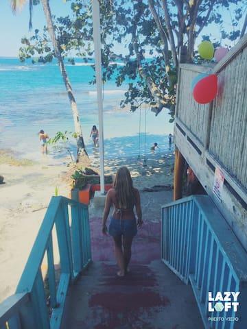 Lazy Loft: Beachfront in the heart of Puerto Viejo