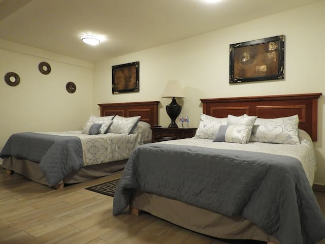 Mina de la Luz -Majestic Family Suite with Parking
