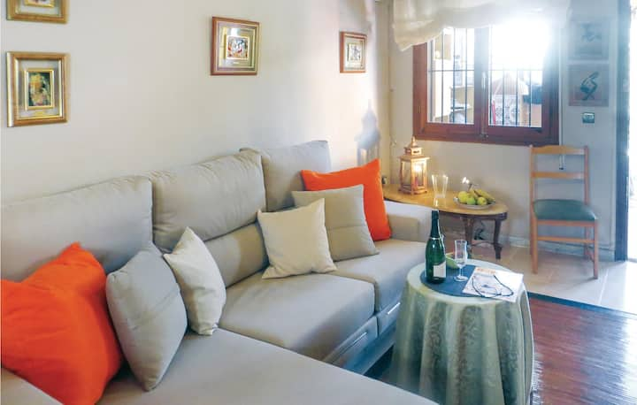 Amazing home in Torrevieja with WiFi and 2 Bedrooms
